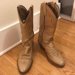 Men's tan vintage Frye cowboy boots size 11D
